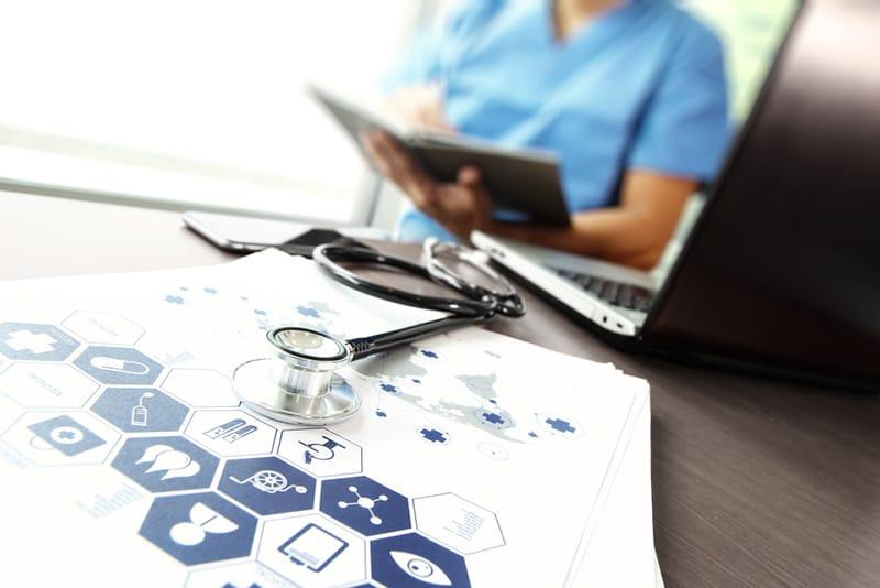 医療広告表現にかかわるインターネット規制が厳しくなります(医療広告ガイドライン変更)